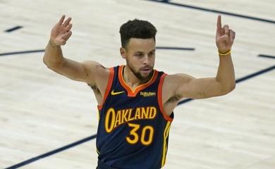 Steph Curry trở thành tay ném 3 điểm vĩ đại thứ nhì NBA