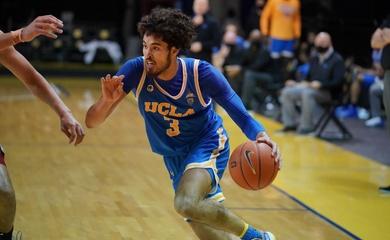 Johnny Juzang ném 3 cháy rổ, ghi 27 điểm nhưng UCLA vẫn thua đau ở OT