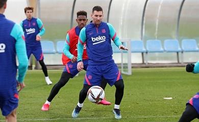Messi khuấy động sân tập Barca bằng những bàn thắng đẹp mắt