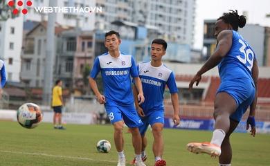 NÓNG: Hoãn trận đấu Than Quảng Ninh – TP.HCM vì dịch COVID-19