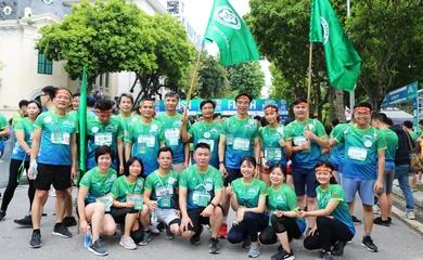 Bác sĩ chạy bộ, tập thể dục để có sức khỏe cứu người