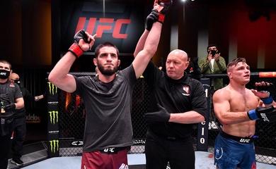 Islam Makhachev yêu cầu đấu Tony Ferguson sau cú siết tại UFC 259