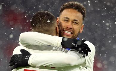 Neymar khiến CĐV phát sốt với pha kiến tạo giúp PSG thắng Bayern