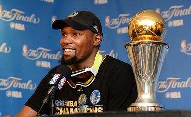 """Khi Kevin Durant đã chán câu chuyện """"săn nhẫn"""", săn cúp vô địch và danh hiệu"""