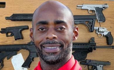 Nỗ lực cướp ma tuý, HLV bóng rổ đấu súng với băng đảng xã hội đen!