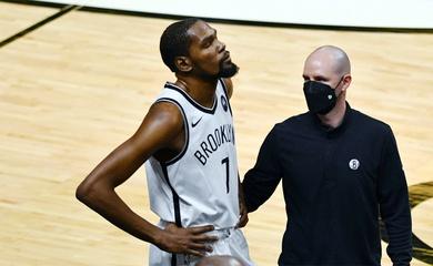 Kevin Durant rời sân giữa chừng vì chấn thương: Đám mây đen tiếp tục bao trùm Brooklyn Nets?