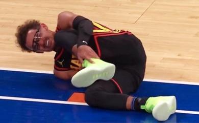 Xem ngay: Trae Young lật cổ chân đầy đau đớn, phải nhờ đồng đội dìu khỏi sân