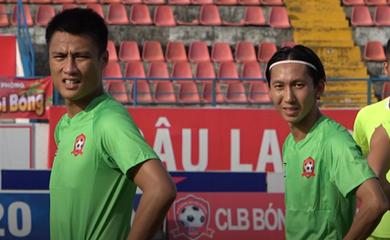 """Từ ca """"nóng"""" Kim Huệ tới chuyển nhượng bóng đá Việt: """"Phép"""" FIFA… thua """"lệ"""" V.League"""