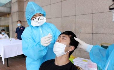 ĐT Việt Nam xét nghiệm COVID-19, chuẩn bị được tiêm vaccine đợt 2