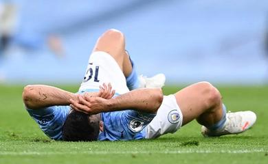 CĐV Chelsea chế giễu Aguero bằng quả phạt đền Panenka của Hazard