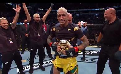 Charles Oliveira lật kèo ngoạn mục TKO Michael Chandler, lên ngôi vô địch hạng nhẹ UFC