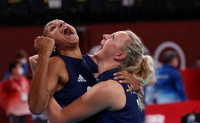 Trực tiếp Olympic 2021 ngày 4/8: Bóng chuyền Mỹ lần thứ 4 liên tiếp vào bán kết