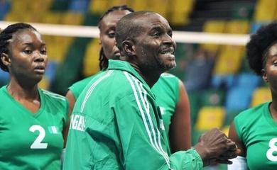 HLV tuyển bóng chuyền Nigeria bị doạ giết sau đơn tố cáo đối thủ