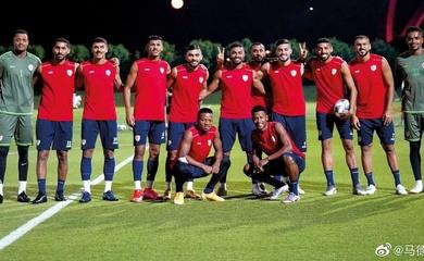 Tuyển Oman đá giao hữu với đội bóng quân đội