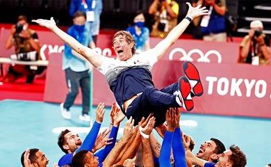 Hành trình 9 năm đưa bóng chuyền Pháp lên đỉnh Olympic của HLV Laurent Tillie