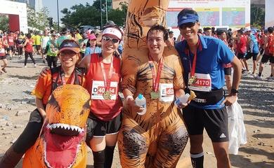 Những màn hóa trang độc lạ chỉ có ở Techcombank HCMC Marathon 2021