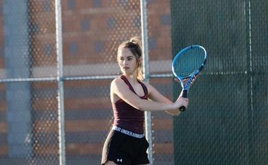 Say nắng với vẻ đẹp của thiên thần làng quần vợt Makenzie Raine