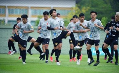 Oái ăm vì COVID-19, Thái Lan phải mang hai đội hình đến UAE