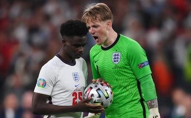 Tiết lộ lý do Saka thực hiện quả penalty quyết định cho tuyển Anh