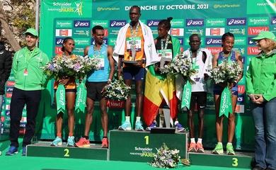 Paris Marathon có kỷ lục mới sau hơn 2 năm gián đoạn