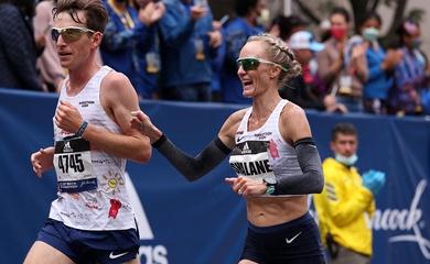 Bà mẹ 40 tuổi chạy 6 giải marathon lớn trong vòng 43 ngày