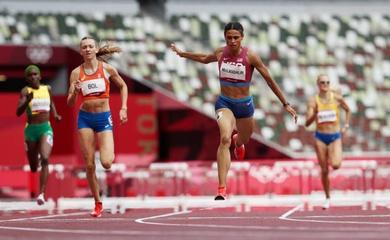 """""""Đả hậu"""" của Quách Thị Lan phá kỷ lục thế giới và Olympic 400m rào tại Tokyo"""