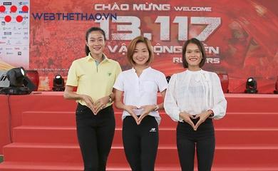 """Hình ảnh siêu điền kinh Việt """"thả thính"""" đốn tim fan tại giải chạy lớn nhất Việt Nam"""