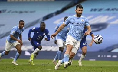 Guardiola nổi cáu khi Aguero sút hỏng phạt đền Panenka cho Man City