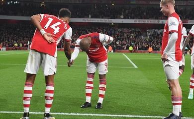 """Arsenal """"ngắm bắn"""" tốt nhất sau 9 tháng khi thắng Aston Villa"""