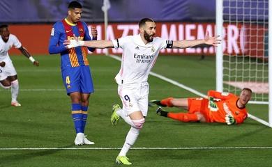 """Benzema đánh gót """"thiên tài"""" ghi bàn cho Real ở trận Siêu kinh điển"""