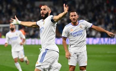 """Benzema lập hat-trick """"đáp lời"""" Ronaldo và Messi"""