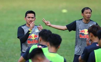 Học trò Kiatisuk đặt mục tiêu 1 điểm trước Hà Nội FC
