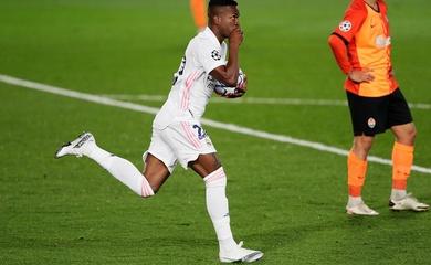 Tiền đạo của Real Madrid lập kỷ lục ghi bàn chớp nhoáng