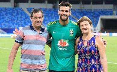 Bố của thủ môn Alisson qua đời sau khi mất tích ở Brazil