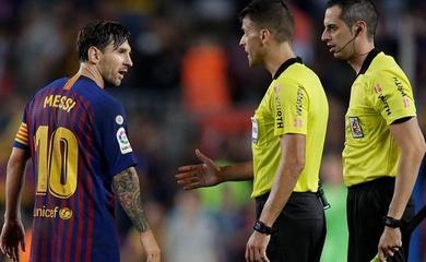 Trọng tài báo cáo gì về quyết định phạt thẻ đỏ Messi?