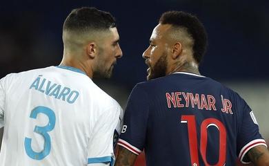 Neymar và Gonzalez thoát án phạt một cách khó tin
