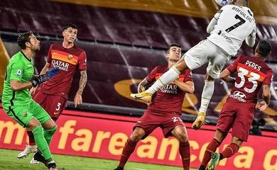 Ronaldo khiến CĐV choáng váng với khả năng đánh đầu khó tin