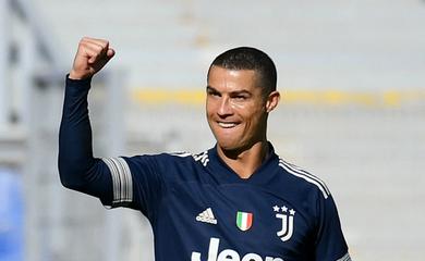 Ronaldo nhận vinh dự lớn tại Juventus ở trận gặp Cagliari