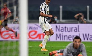 Ronaldo lại ghi bàn cùng đối tác tấn công mới của Juventus