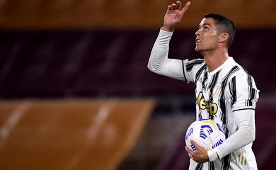 Ronaldo vượt qua mọi huyền thoại Juventus về ghi bàn