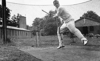 Chùm ảnh Hoàng thân Philip rất nhiệt tình với thể thao