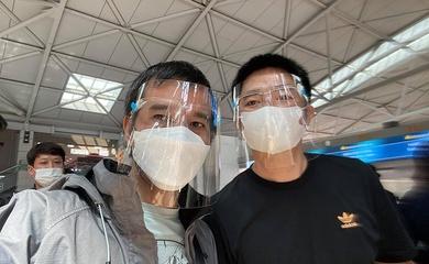 Các cơ thủ billiards carom Trần Quyết Chiến, Nguyễn Quốc Nguyện hạnh phúc trở về Việt Nam