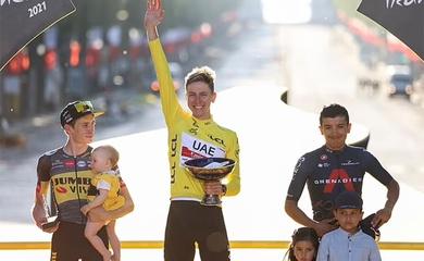 ĐKVĐ Pogacar lập kỷ lục ở cuộc đua xe đạp Tour de France