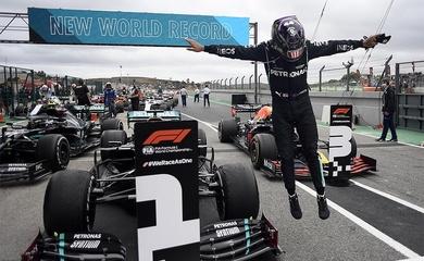 Lewis Hamilton và 7 kỳ quan F1