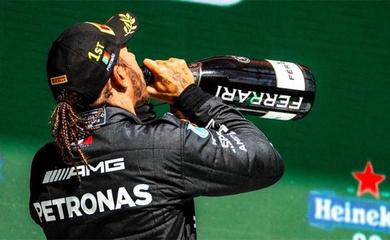 Như một thói quen, Lewis Hamilton lại về nhất Grand Prix F1