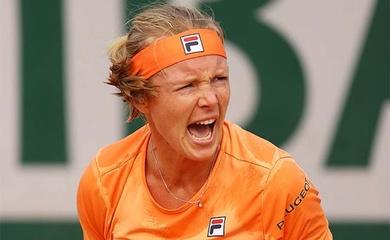 Roland Garros lại thêm sự cố: Số 5 thế giới khóc vì ức do đối thủ tố cô giả đau!