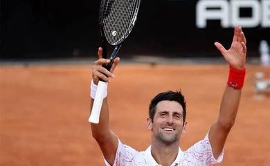 Các hạt giống số 1 Djokovic cùng Halep vào chung kết Italian Open