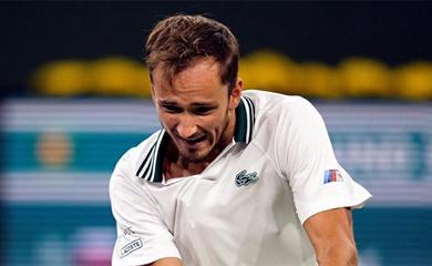 Kết quả tennis mới nhất: Medvedev tiếp tục uy hiếp Djokovic, thần đồng Coco Gauff bị loại