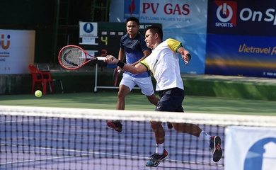 """""""Vua lưới"""" Lê Quốc Khánh kết hợp cùng  Trịnh Linh Giang hiệu quả như thế nào ở giải tennis VTF Masters 500 – 1?"""