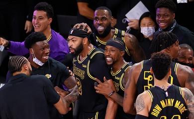 Anthony Davis tung game-winner đỉnh cao, LA Lakers thoát hiểm ngoạn mục